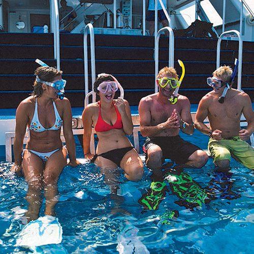 Tusa snorkellers